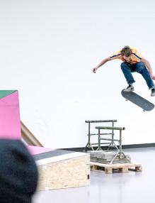 Kilian Zehnder, Backside Kickflip. At the Kunsthaus Zürich. @kunsthaus_zuerich @kilianzehnder #kunsthaus #skateboarding #bsflip